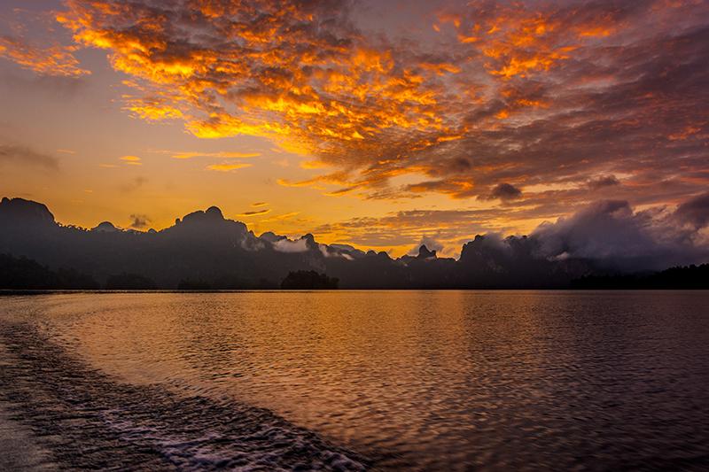 Khao Sok Nationalpark - Cheow Lan See Sonnenaufgang