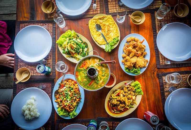Thailändisches Essen in Koh Panyee